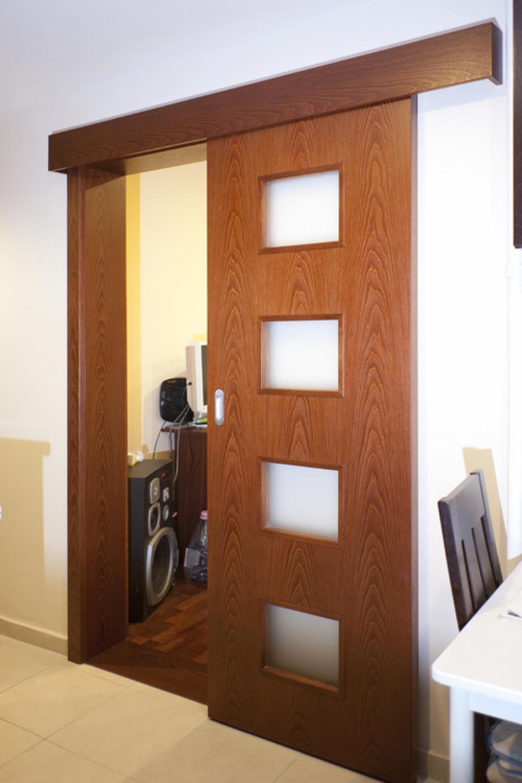 Granada, Kent és Monte Carlo ajtónk egy egyetemista lakásában  | Referencia - Ajtóház