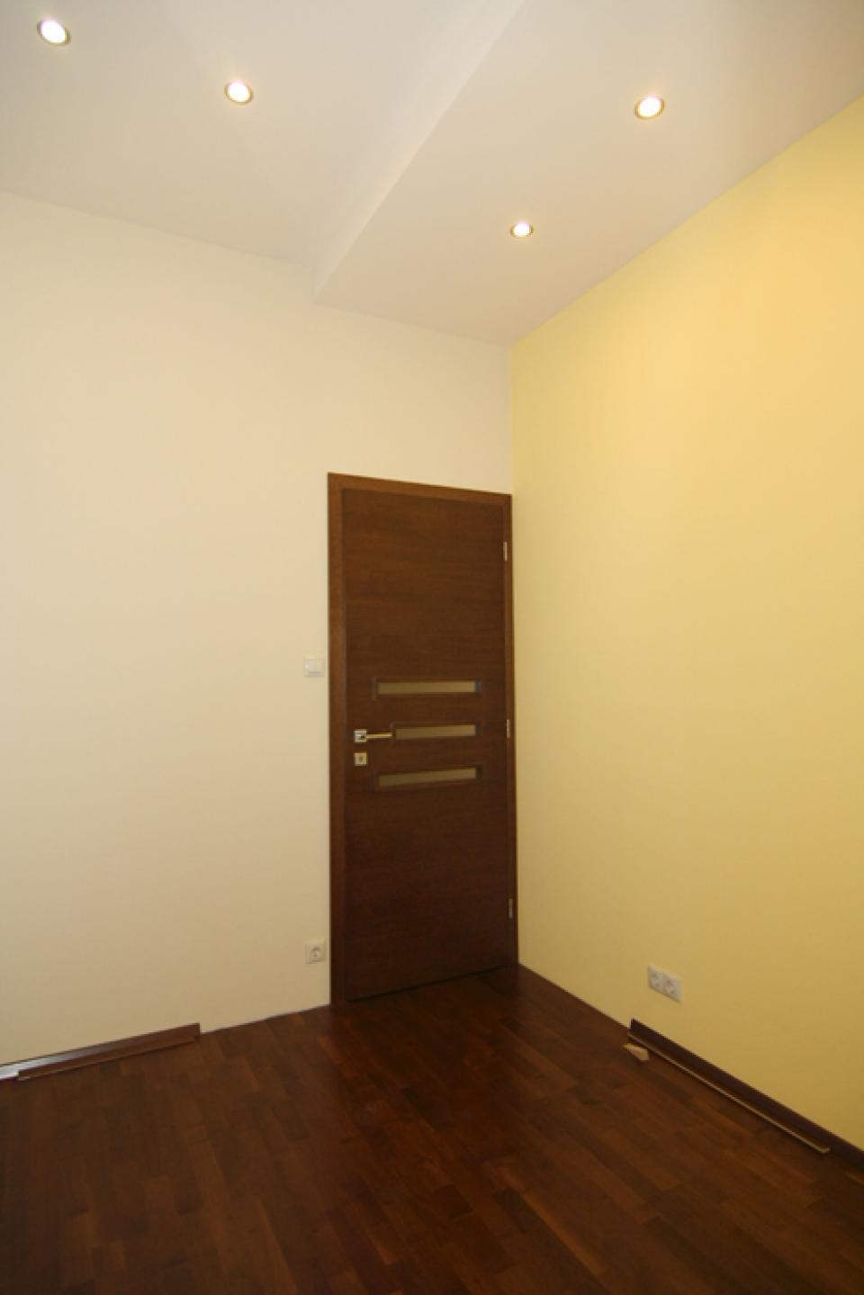 Iwaki ajtó egy Gellért-hegyi lakásban | Referencia - Ajtóház