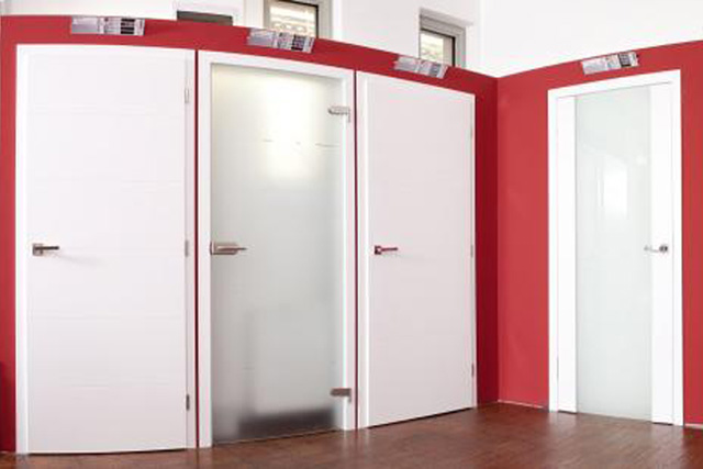 Porfestett ajtóink mindenkit levesznek a lábáról